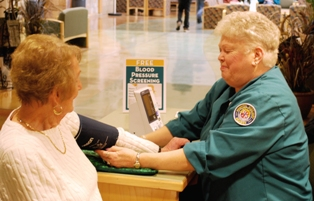 Volunteers give free blood pressure screenings at Three Rivers Community Hospital